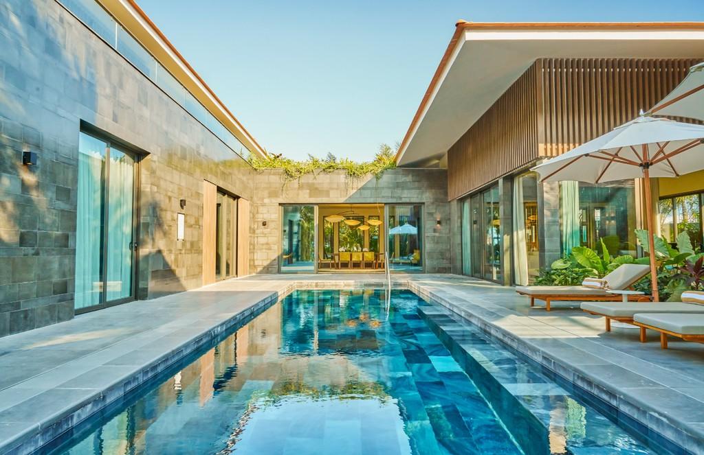 Nằm bên bờ biển, biệt thự tại InterContinental Phu Quoc Long Beach Resort là chốn riêng tư giữa thiên nhiên yên bình