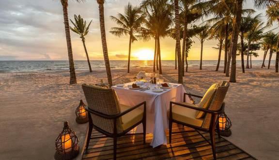 Bữa ăn tại bãi biển InterContinental Phu Quoc