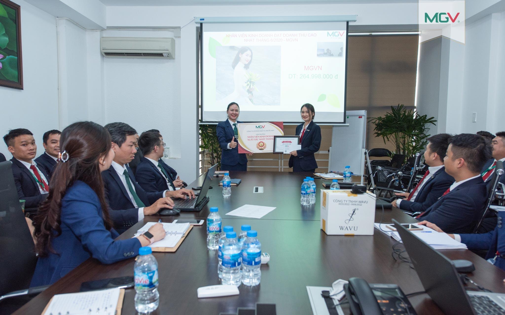 Nhân viên kinh doanh đạt doanh thu cao nhất tháng 6/2020 - chị Trần Thị Hồng Tuyển (đơn vị MGV.N)