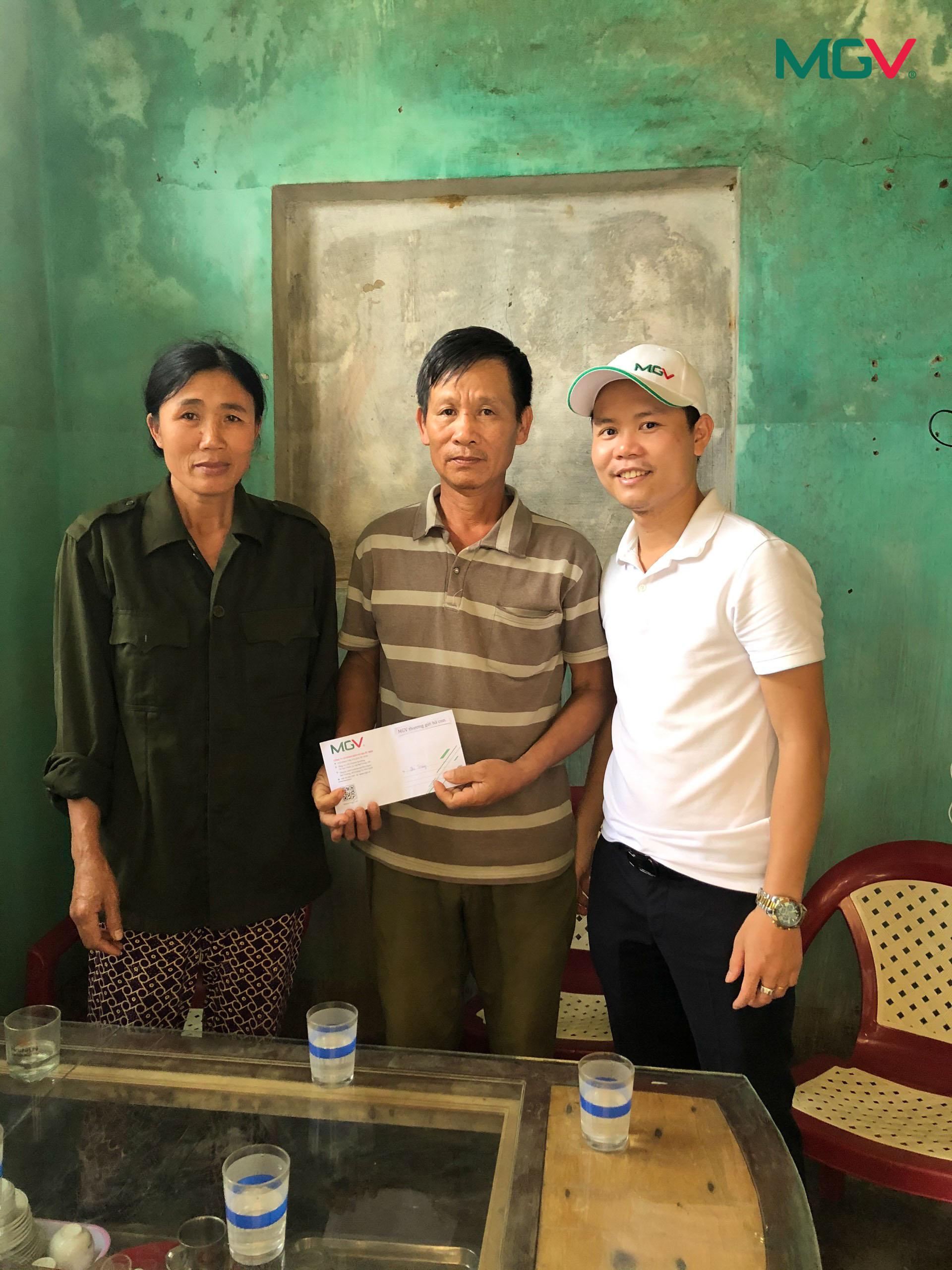 Cứu trợ lũ lụt miền Trung 2020 - 17